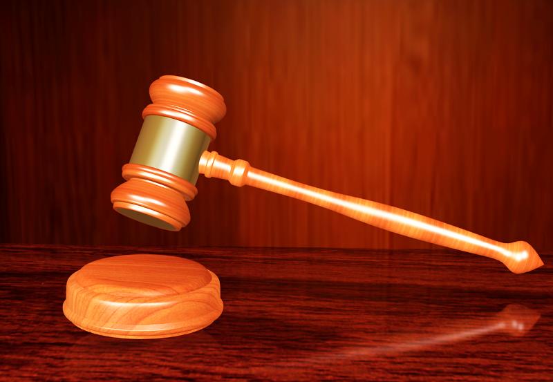 חובת ההוכחה על המעביד. פטיש שופט בית המשפט | צילום המחשה: www.pixabay.com