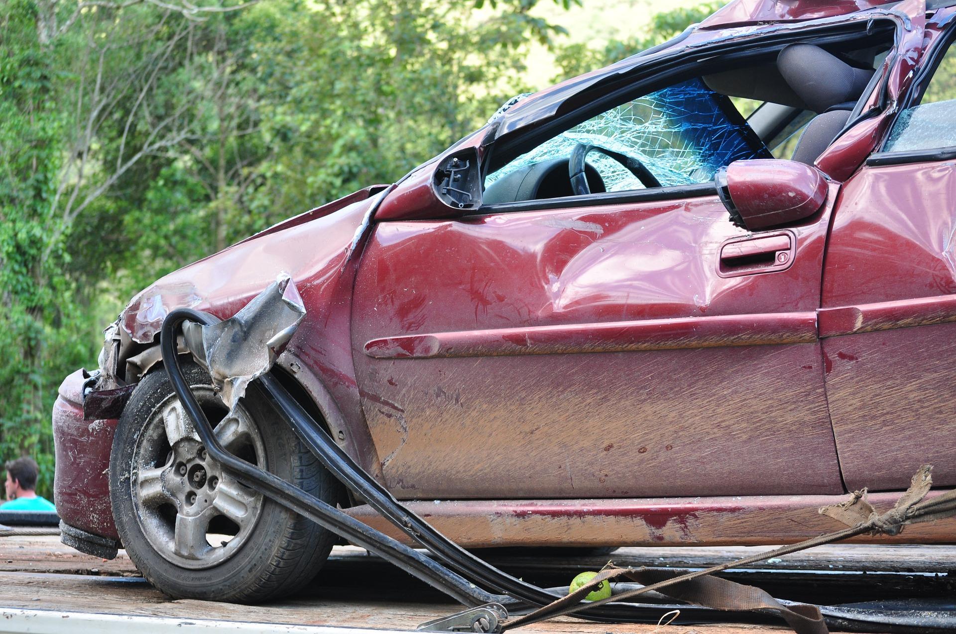 חברת הביטוח החליטה לפצות את הנהגת בסכומים הנמוכים באופן משמעותי ממה שהיא ציפתה לקבל. רכב לאחר התנגשות | צילום המחשה: www.pixabay.com