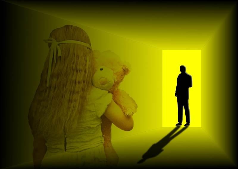 מומחית בתחום הנפש שבדקה את בני המשפחה קבעה כי הם סובלים מנכויות נפשיות רבות כתוצאה מהתעללות האב. ילדה מוכה | צילום אילוסטרציה (למצולמים אין כל קשר לנאמר בכתבה): www.pixabay.com