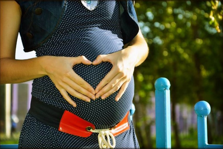 תביעה: ליולדת נשארה צלקת על הישבן