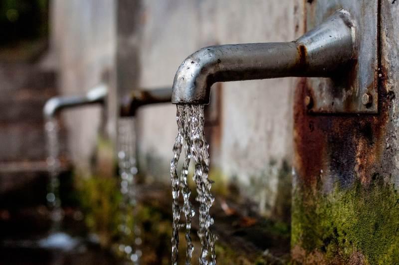 """ת""""א: כתב אישום נגד בכיר בתאגיד המים"""