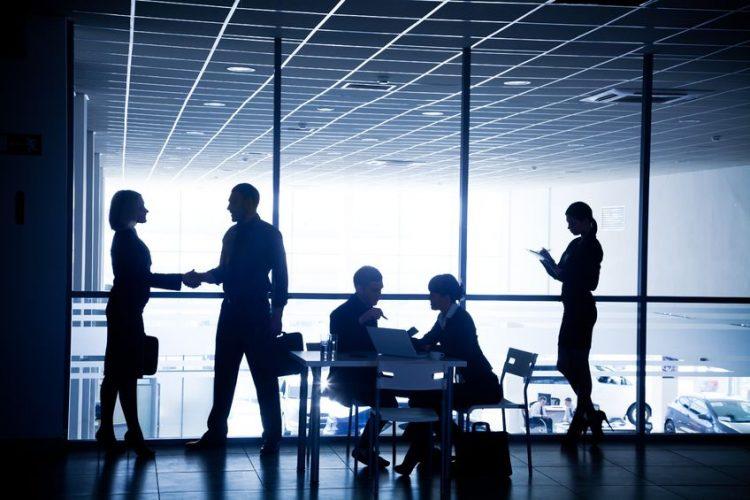 גישור עסקי חוסך זמן וכסף | תמונה מתוך מאגר התמונות